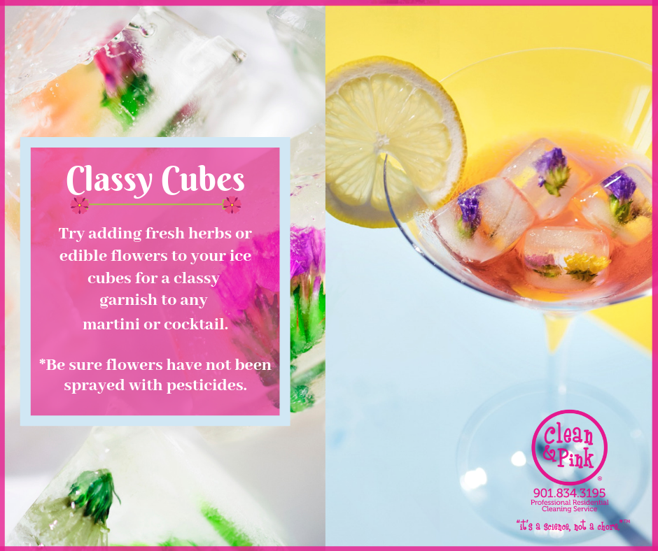 Ice cubes with flowers cocktails