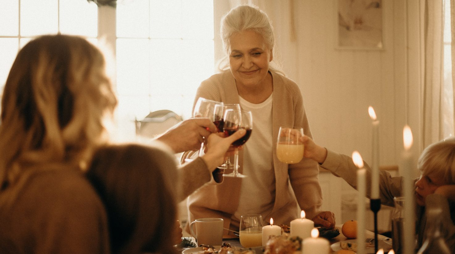 The holidays can be a very hectic time of year. From dinner parties, decorating, and preparing for the arrival of friends and family you can find yourself feeling stressed that might put a damper on holiday festivities. In order to keep you in a balanced state of mind this season, here are some helpful, holistic tips to minimize holiday stress. 1. Aromatherapy Aromatherapy is a great way to help maintain a relaxed and cheerful mood during holiday preparations. Aromatherapy works through stimulating receptors in the nose and sending messages to the nervous system which can cause pleasant emotional reactions. The following essentials oils work well to help produce a feeling of peace and relaxation: Lavender - helps with relaxation and combats insomnia Yuzu - helps soothe stress and anxiety Bergamot - helps reduce anxiety and fatigue Buying a defuser or vaporizer for your home can help surround you with feelings of calm and relaxation while you tend to cleaning and preparing those amazing holiday meals. 2. Meditation Setting some quiet time aside during your holiday preparations is a great way of rebalancing your mind, body, and spirit. Listen to some calming music and spend time focusing on your breaths in order to ward off negative feelings that might become overwhelming and stressful. There are countless Youtube videos on guided meditations for beginners that can fit into any hectic holiday schedule. Here are some recommended guided meditation videos that you can try on your own: Alan Watts - 15-Minute Guided Meditation Sam Harris - 9-Minute Mindfulness Meditation Sadhguru - 20-Minute Morning and Evening Meditation 3. Herbal Teas Herbal teas are also an excellent way to help easily maintain a calm and cheerful mood throughout the holidays. Similar to aromatherapy, herbal teas tend to have nutrients that can work to stimulate parts of your nervous system and bring relaxation. Brew a cup of one of the following teas for you and your family: Peppermint - has natural me